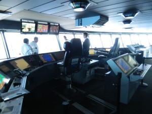 With dozens of systems and technical features to control, the Oasis of The Seas's bridge is the largest in the world.